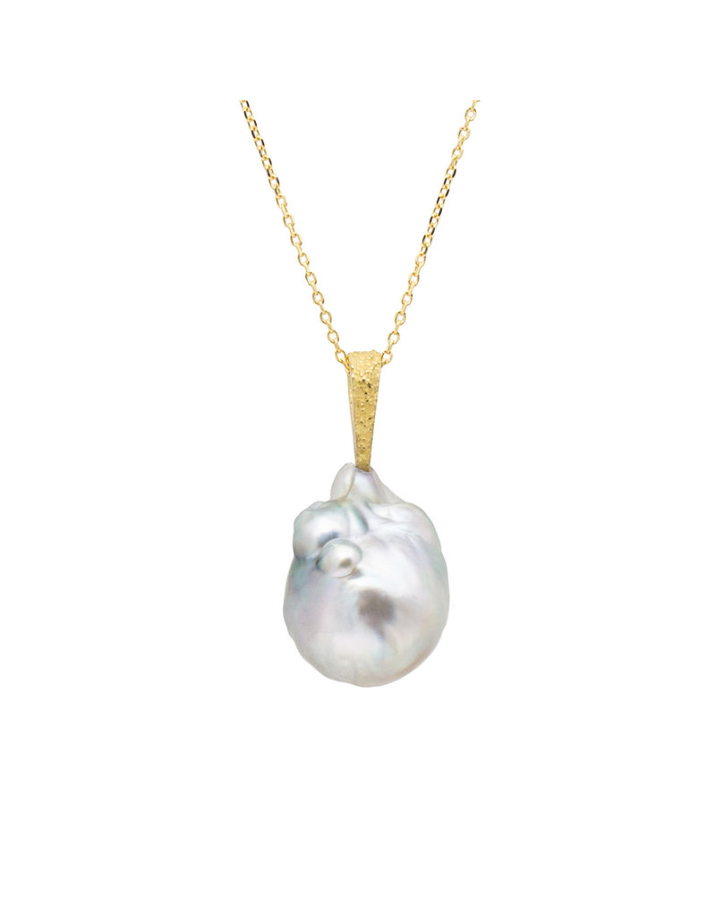 Tahitian Pearl Pendant with Sand-Textured 18k Yellow Gold