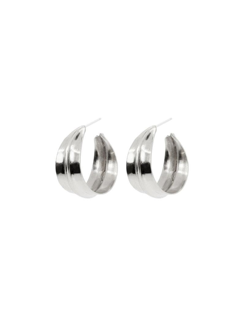 ladha by Lindsay Knox Small Ridge Hoop Earrings in Silver
