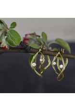 Small Double Clover Hoop Earrings in 18k Yellow Gold with White Diamonds