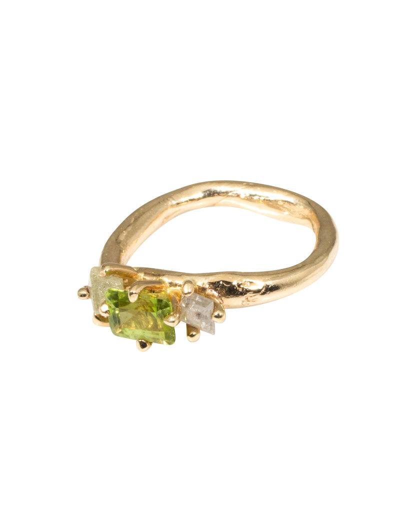 Fleur Ring with Peridot and Diamonds in 14k Yellow Gold