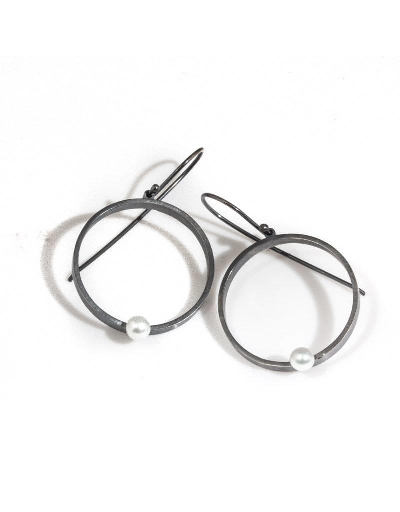 Round Open Earrings with Pearls in Oxidized Silver