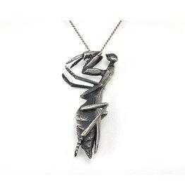 Praying Mantis Pendant in Silver