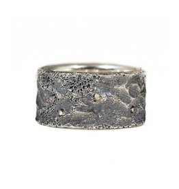 11.5 mm Topography Men's Band with Diamond Mackles in Oxidized Silver