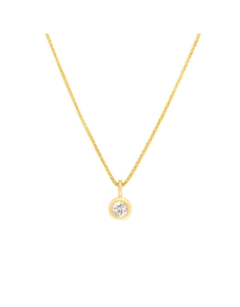 Brilliant Sapphire Pendant with 18k Yellow Gold Chain