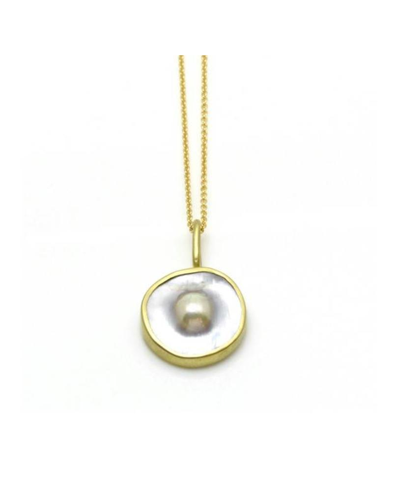 Dome Pearl Pendant in 18k Yellow Gold