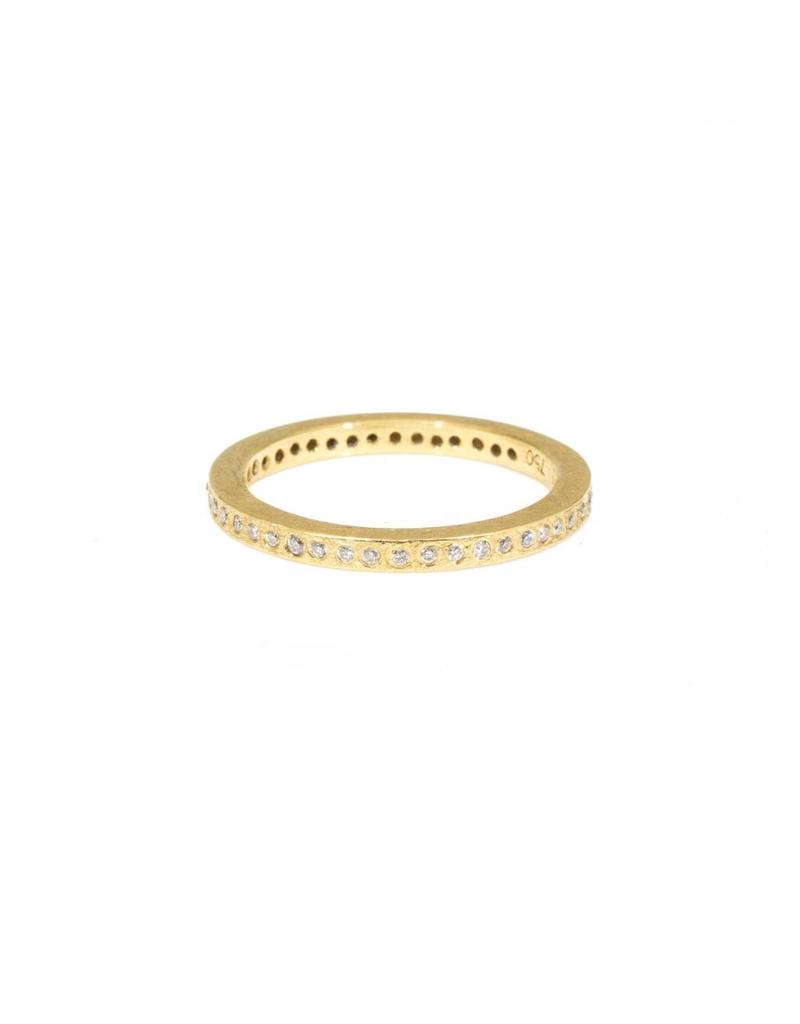 Eternity Band Brilliant Cut Diamonds in 18k Yellow Gold