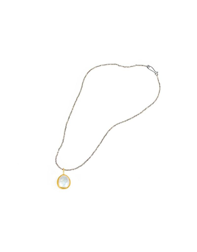 Small Loave Cultured Pearl Pendant  in 22k Gold