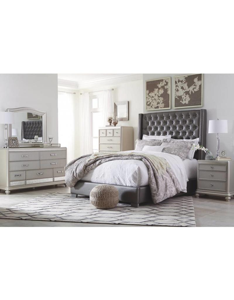 Coralayne 6 pc Queen UPH Bedroom Set