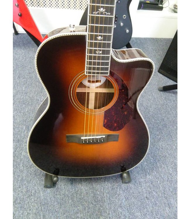 FENDER FENDER PARAMOUNT SERIES PM-3 DELUXE 000 SUNBURST ACOUSTIC-ELECTRIC GUITAR W CASE