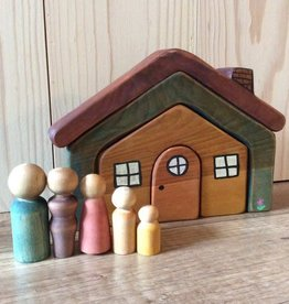 Chill Peg Dolls & House
