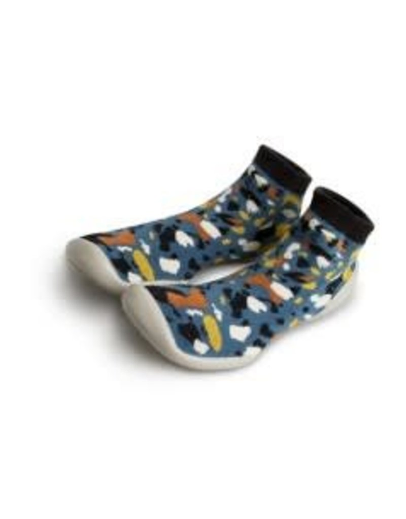 Collegien Slippers with Flexible Sole