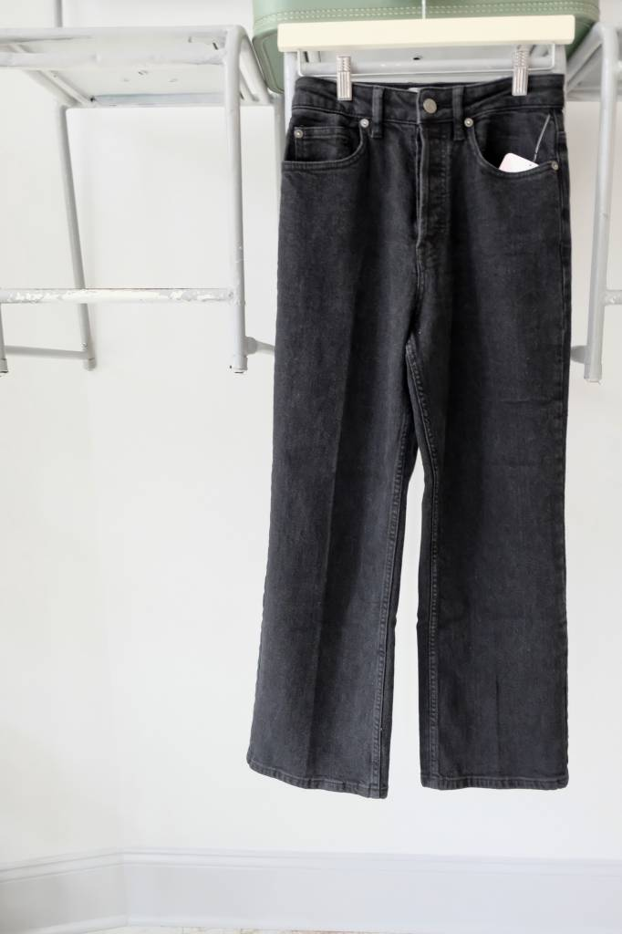 Hi Waisted Wide Leg Jean