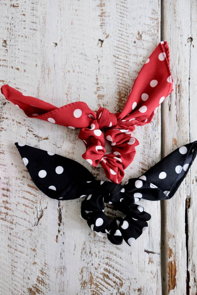ACCESSORIES Large Bow Scrunchie