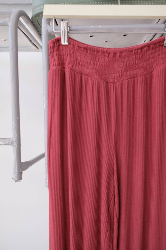 Ribbed Lightweight Pants