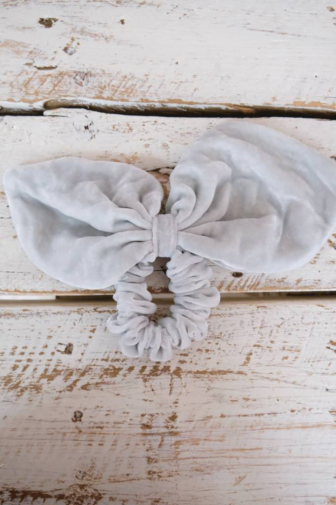 Oversized Bow Scrunchie