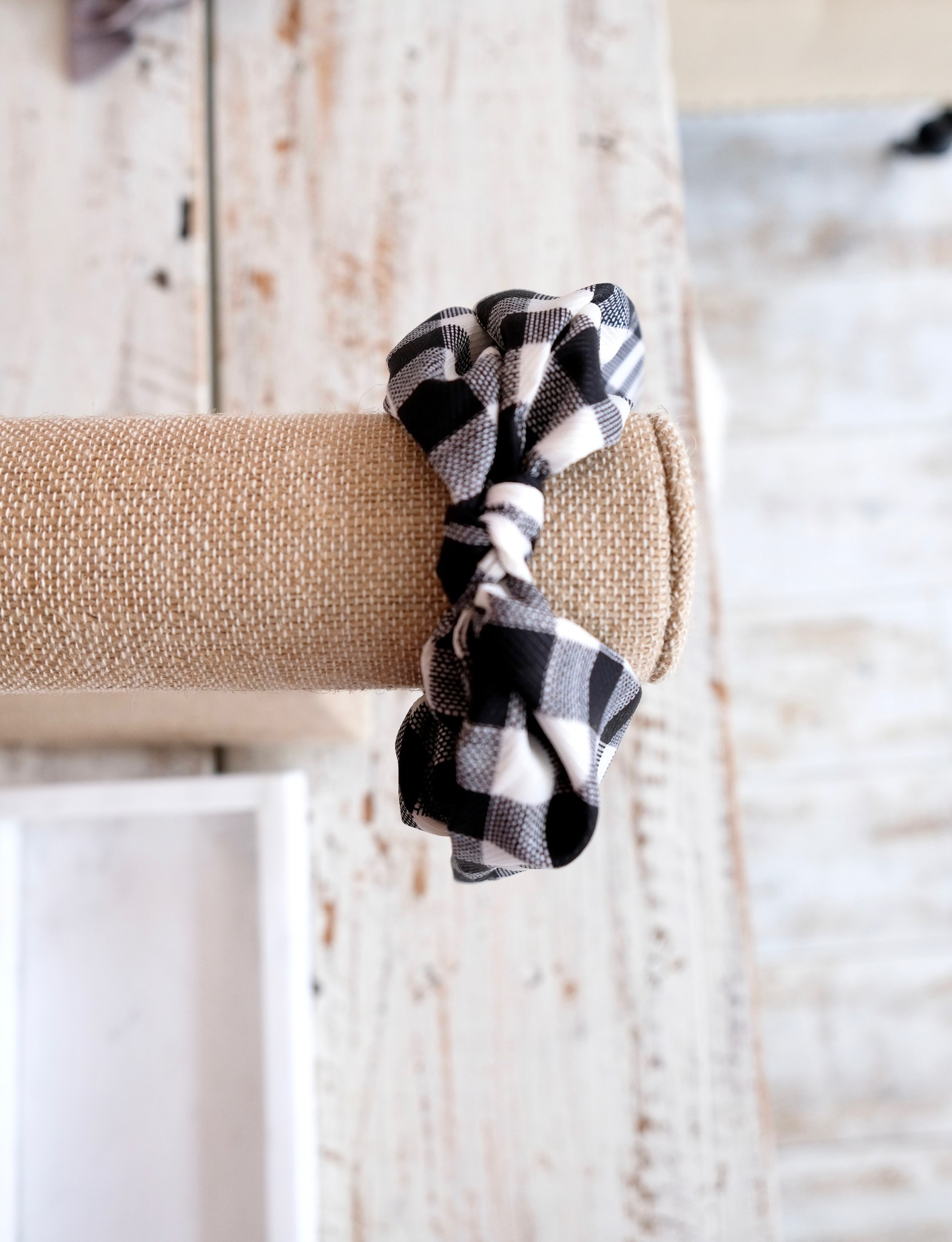 Gingham Scrunchie With Straight Tie