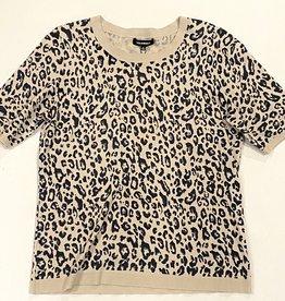 Leopard print elbow sleeve top