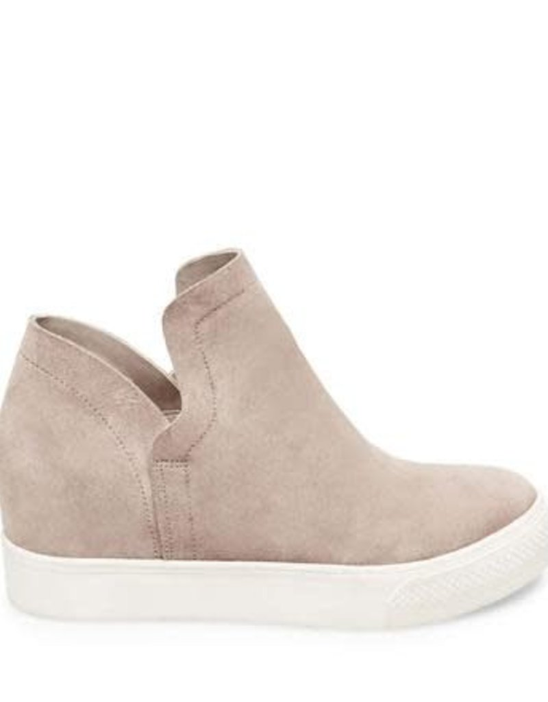 Wrangle Sneaker
