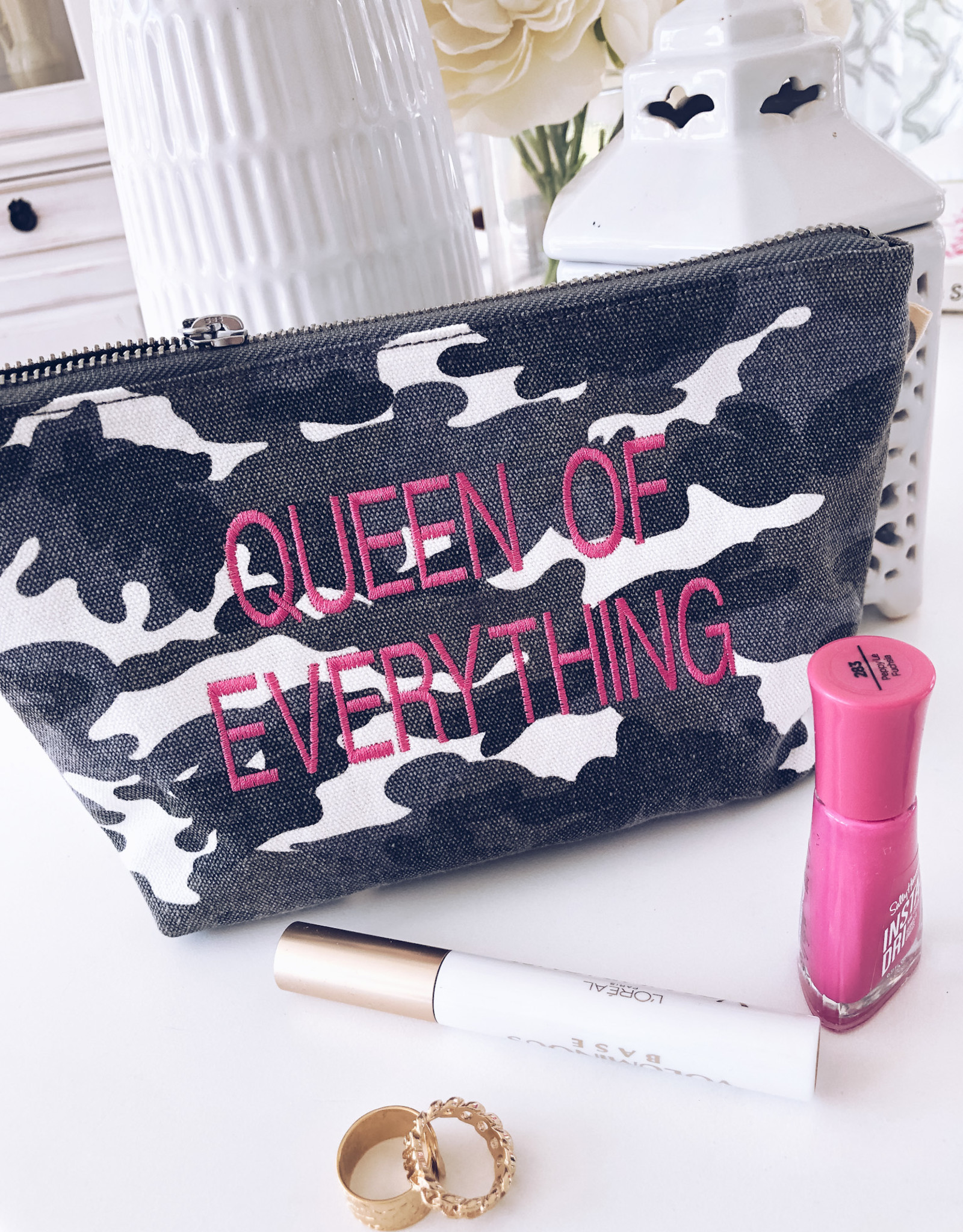 "Grey Camo w/Hot Pink ""Queen Of Everything"" MakeUp Bag"