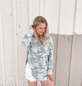 Z Supply Dusty Camo V-Neck Weekender Sage
