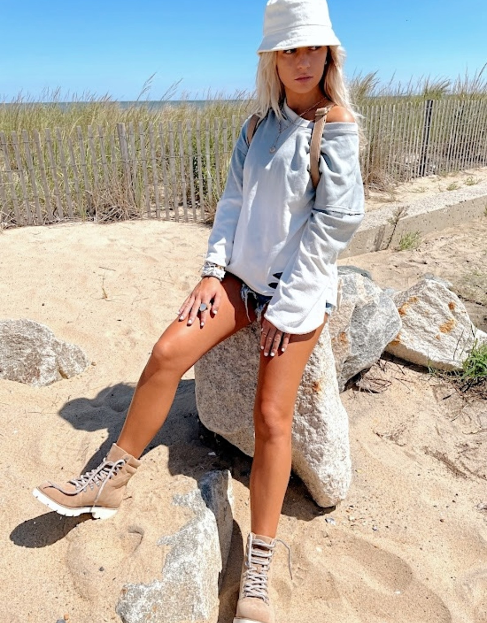 Arden Distressed Pullover