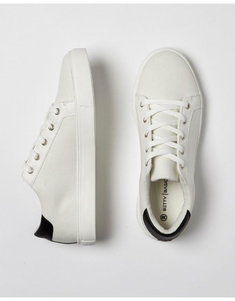 Betty Basics Exploration Sneaker
