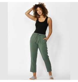 Betty Basics Jackson Crop Pant