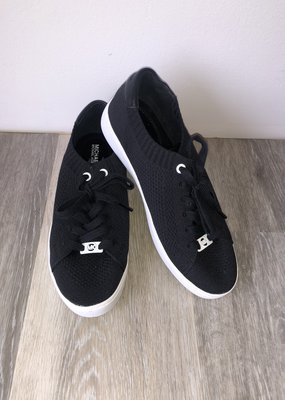 New Michael Kors Sneakers Size 8