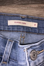 Levi's Classic Capri Size 4
