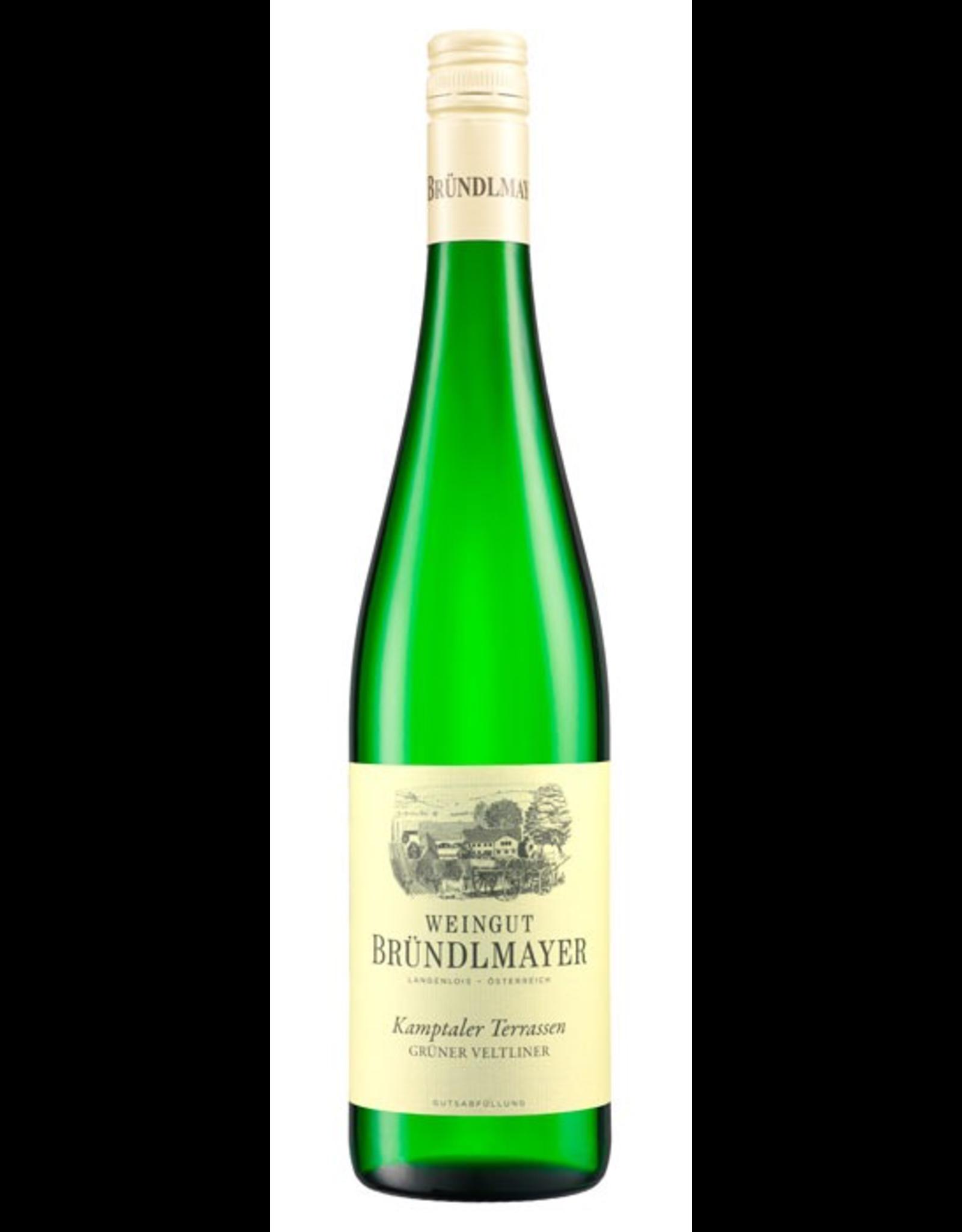 White Wine 2017, Weingut Willi Brundlmayer Terrassen, Gruner Veltliner, Kamptal, Niederosterreich, Austria, 12% Alc, CTnr, TW91