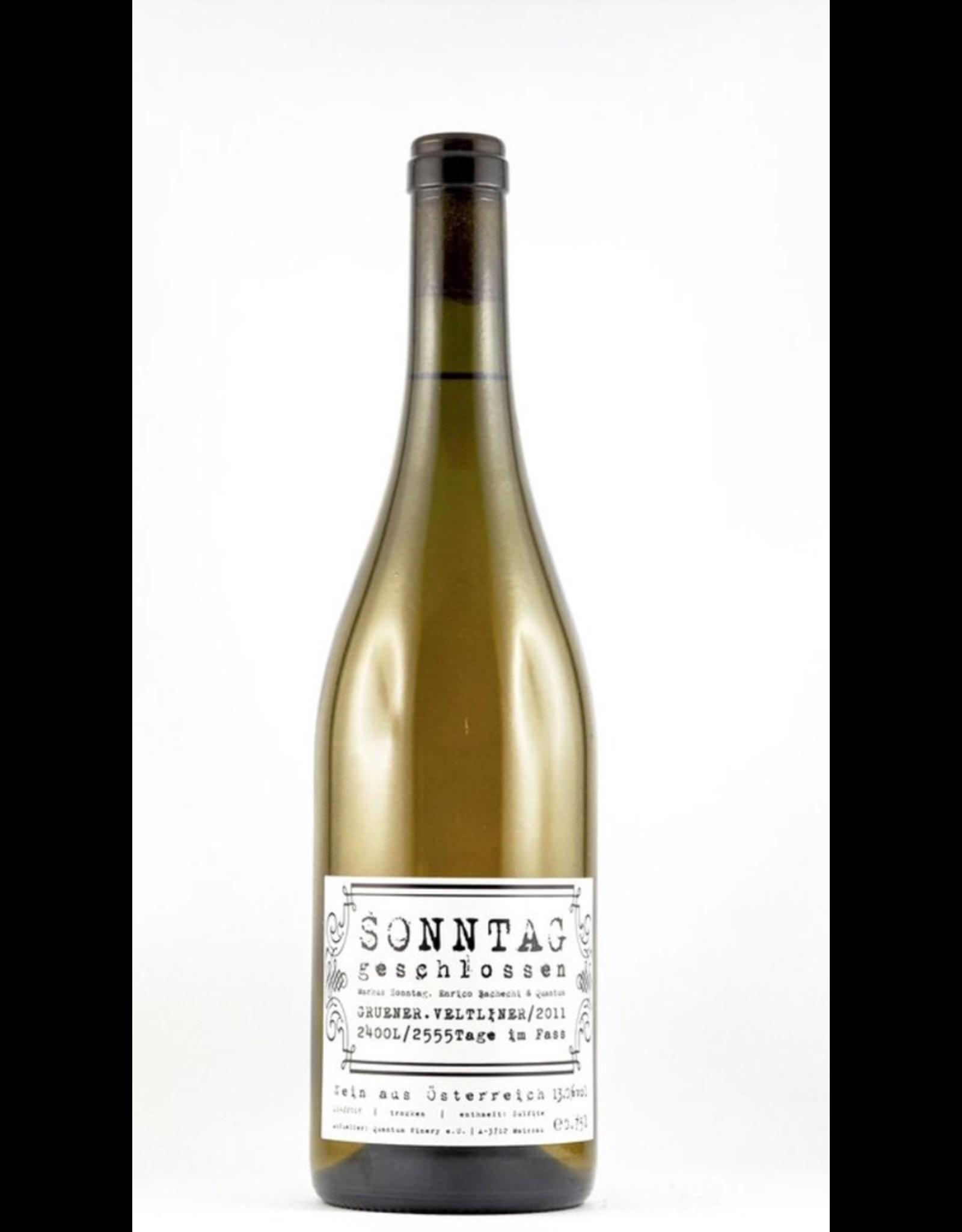White Wine 2011, Vom Boden Sonntag Geschlossen Unfiltered Unfined, Gruner Veltliner, Kamptal, Niederosterreich, Austria, 10-13% Alc, CTnr, TW95
