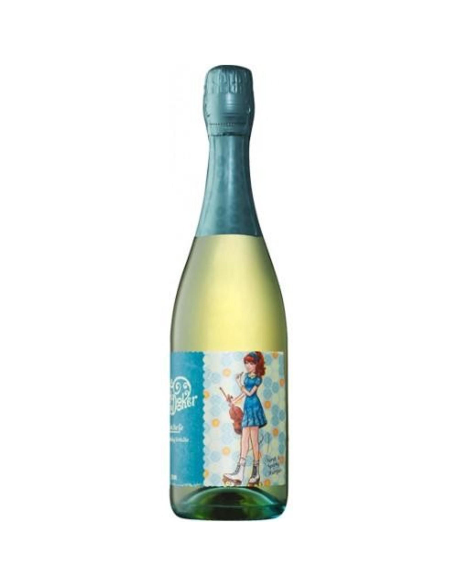 Sparkling Wine NV, Molly Dooker Girl on the Go, Sparkling Verdelho, McLaren Vale, Fleurieu, Australia, 14% Alc, CT88, TW90
