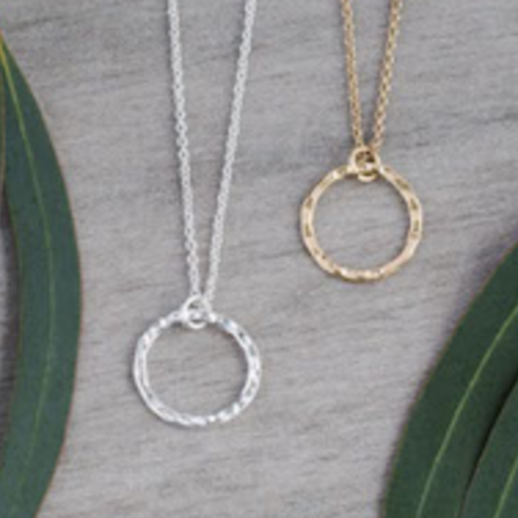 Simple Circle Necklace-Silver