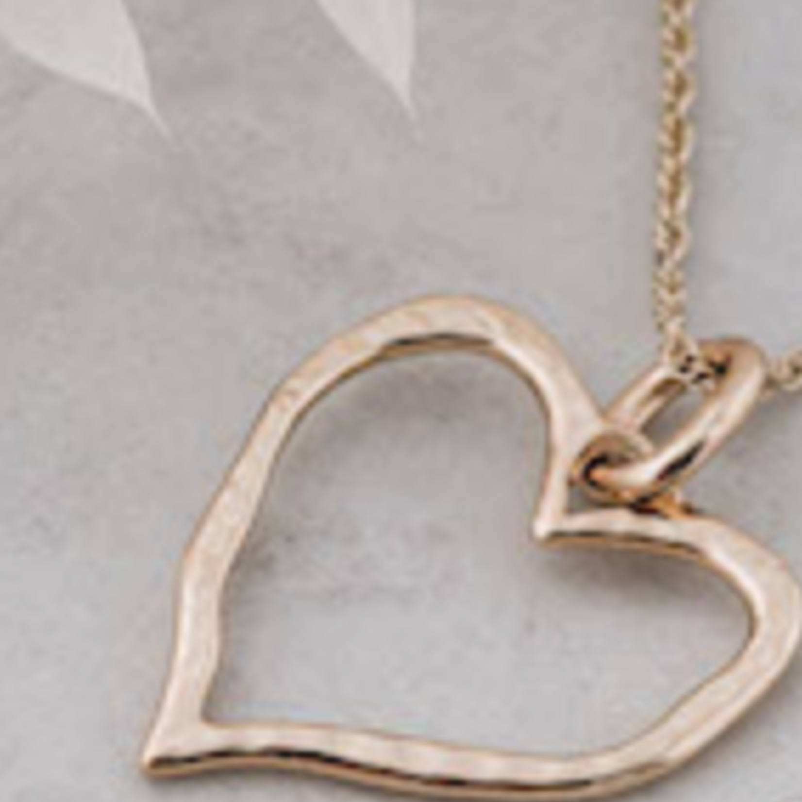 Giving Heart Necklace/ Gold