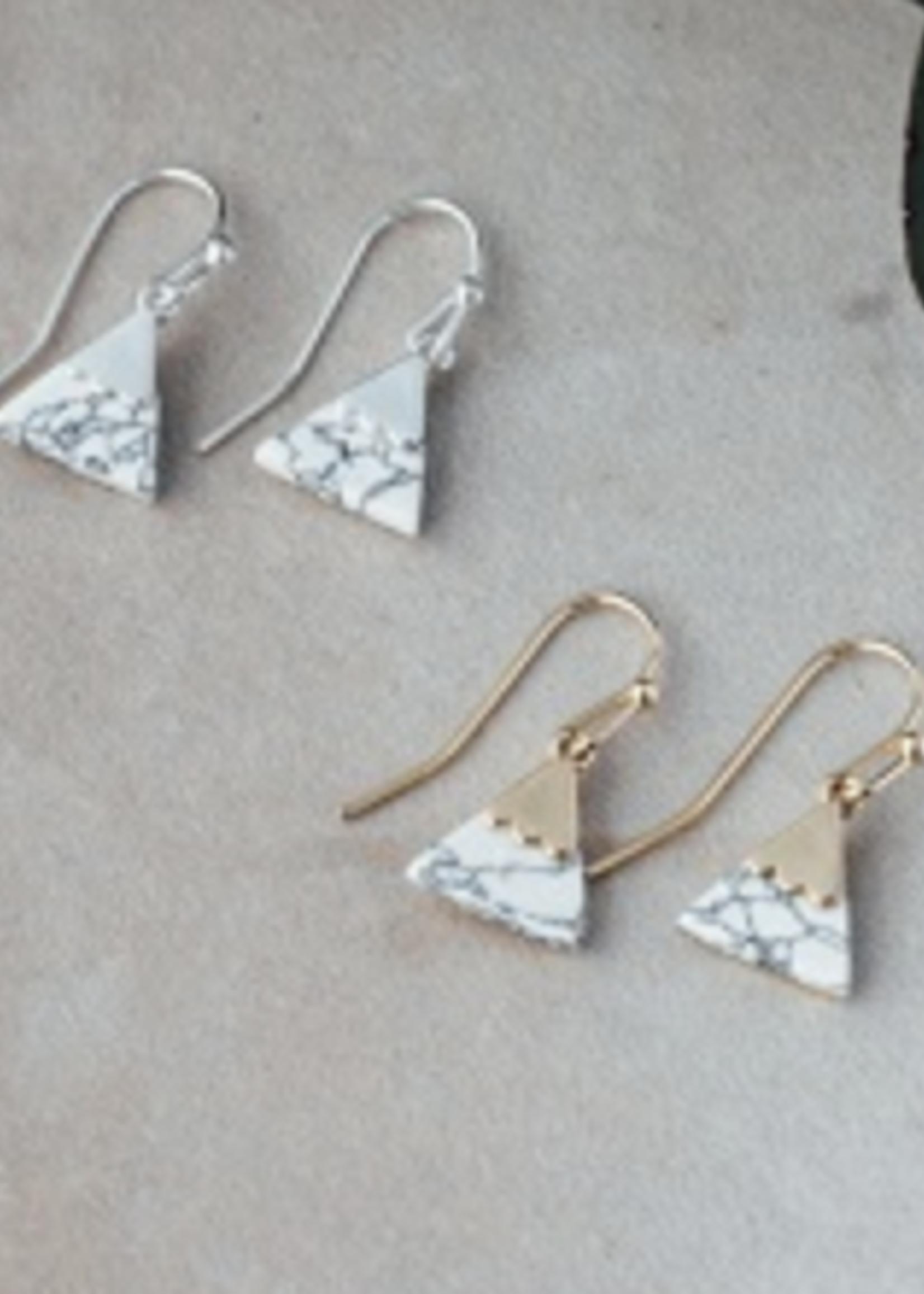 Glee Jewelry Summit Earring Gold Howlite