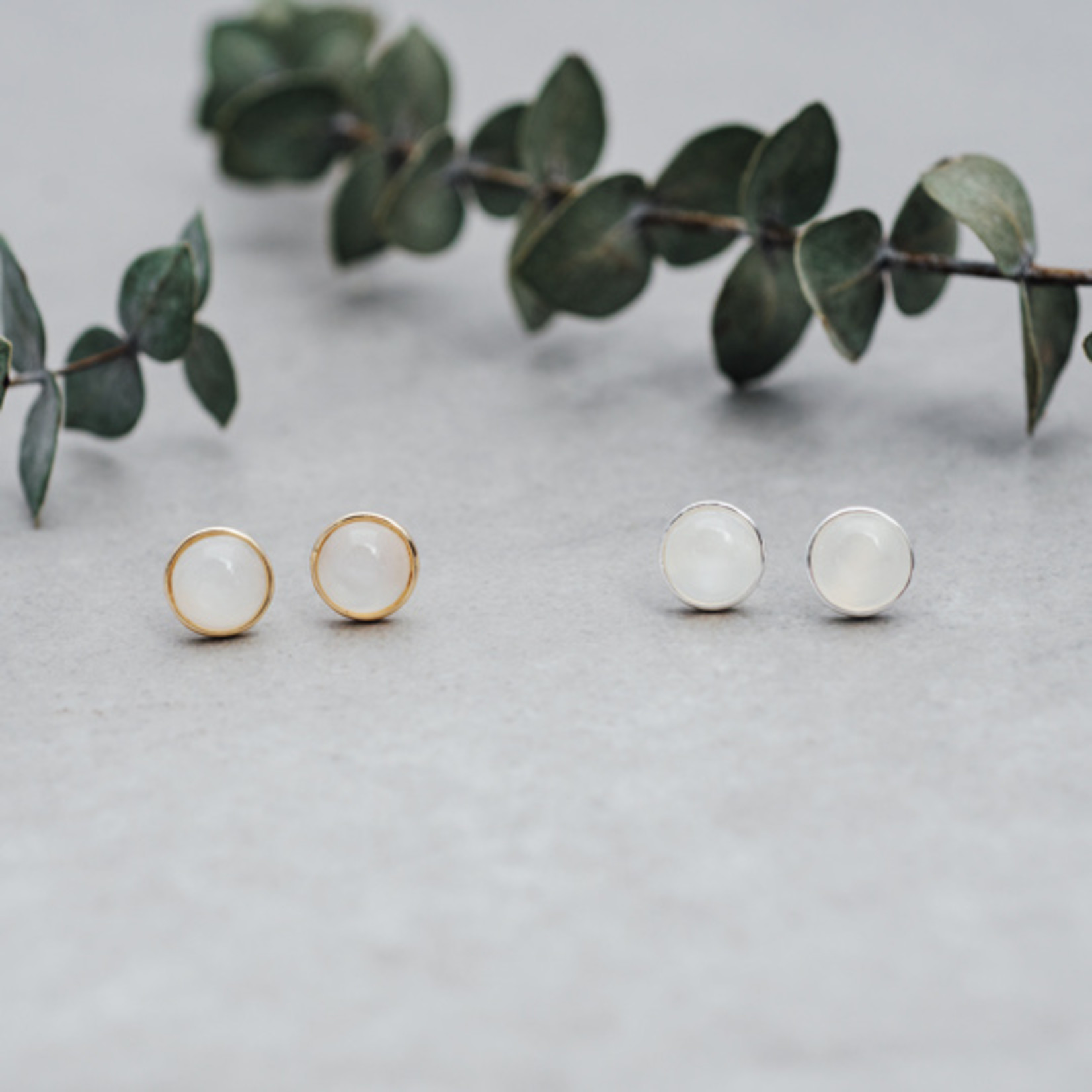 Anytime stud earrings - Moon stone