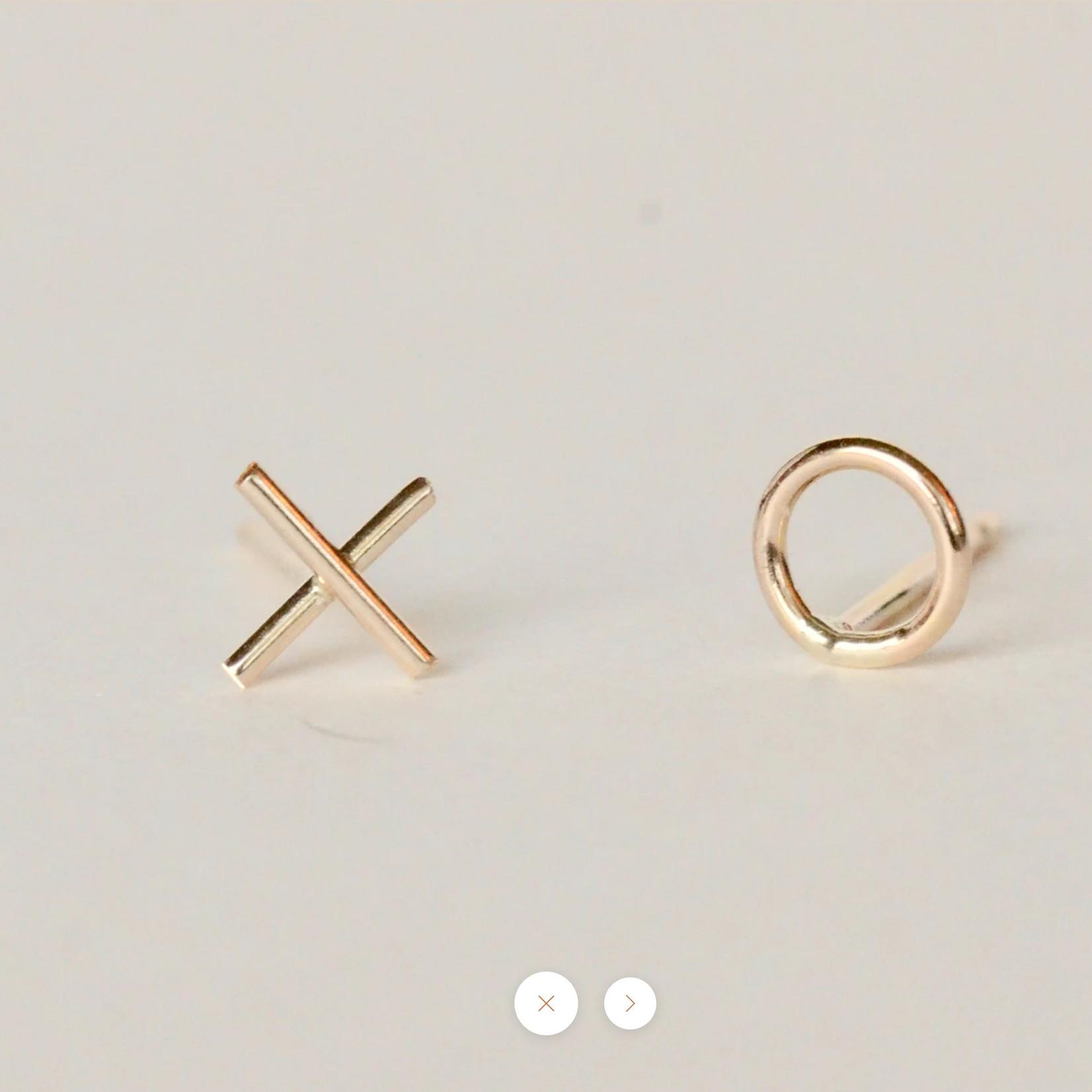 xo studs gold