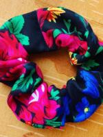 Kokom Scrunchies Mum black scrunchie