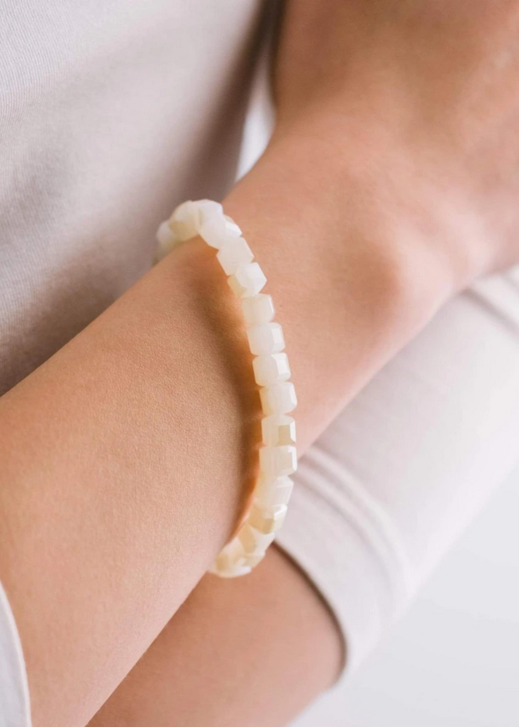 Dawn stretch bracelet cloud white