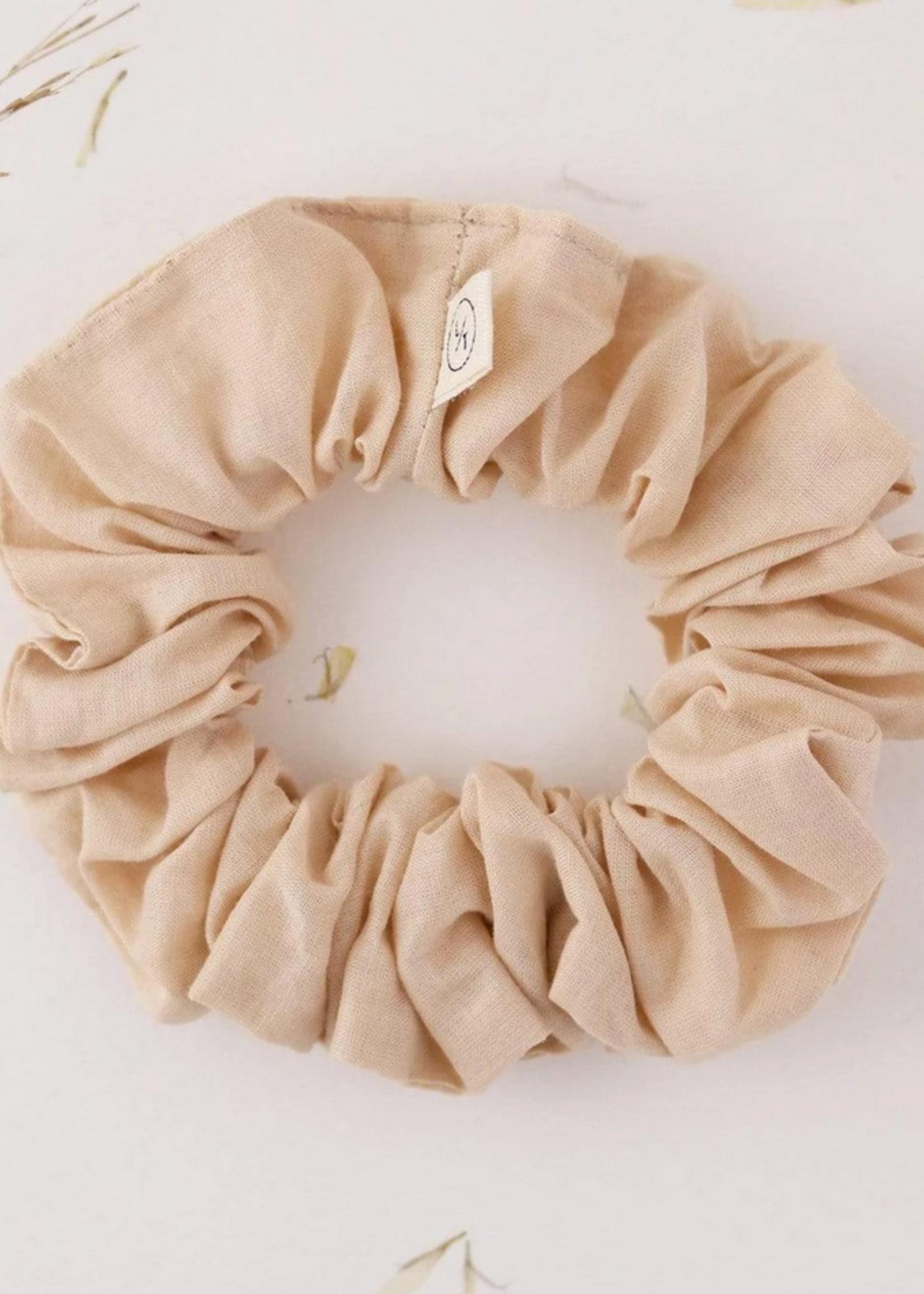 Mini sunday cotton scrunchie oatmilk