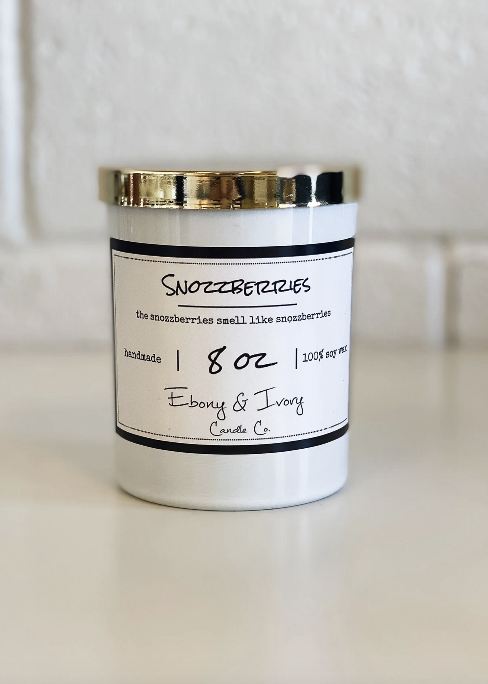 Ebony & Ivory Candle Co. Snozzberries 8oz