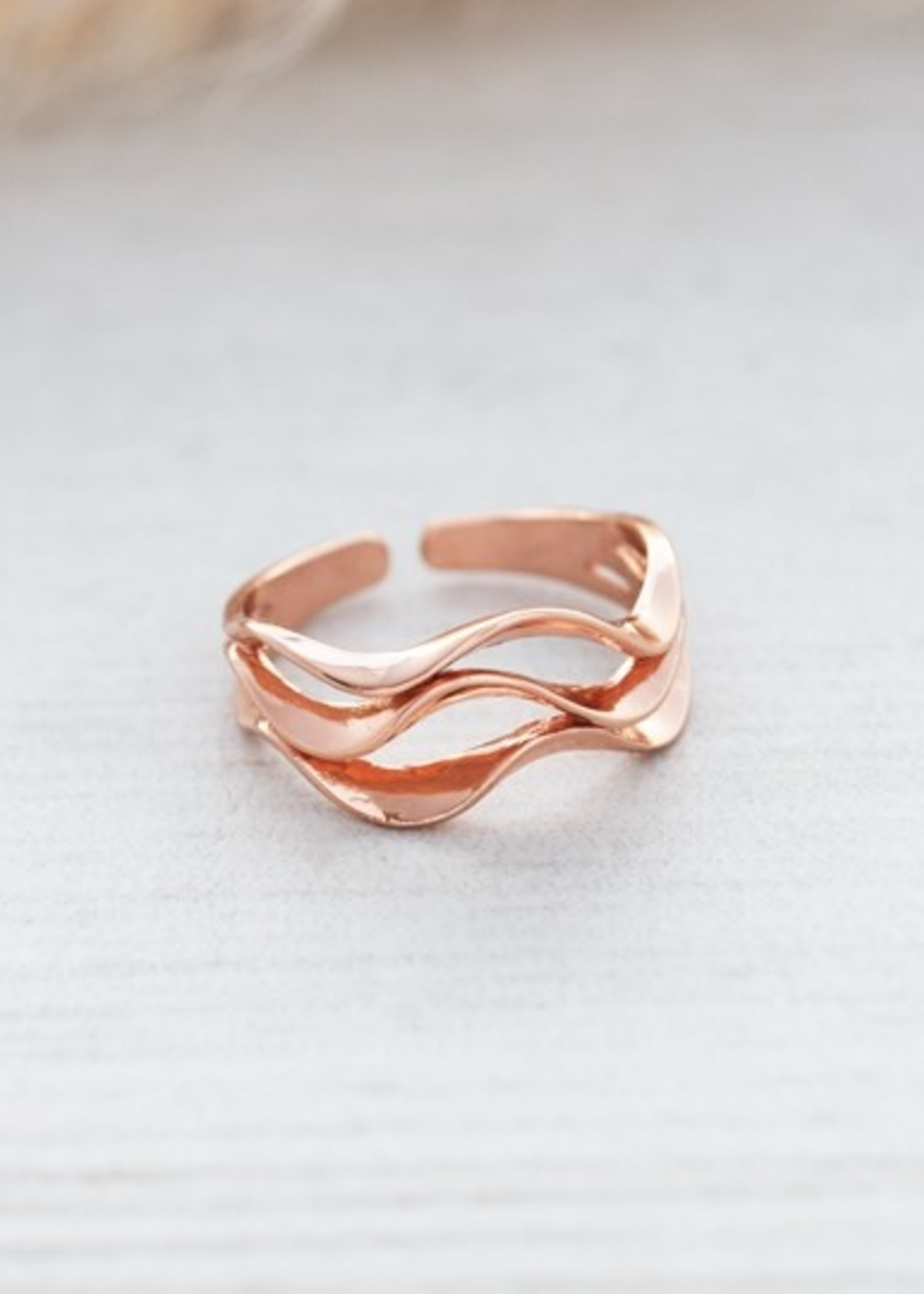 Ripple ring rose gold