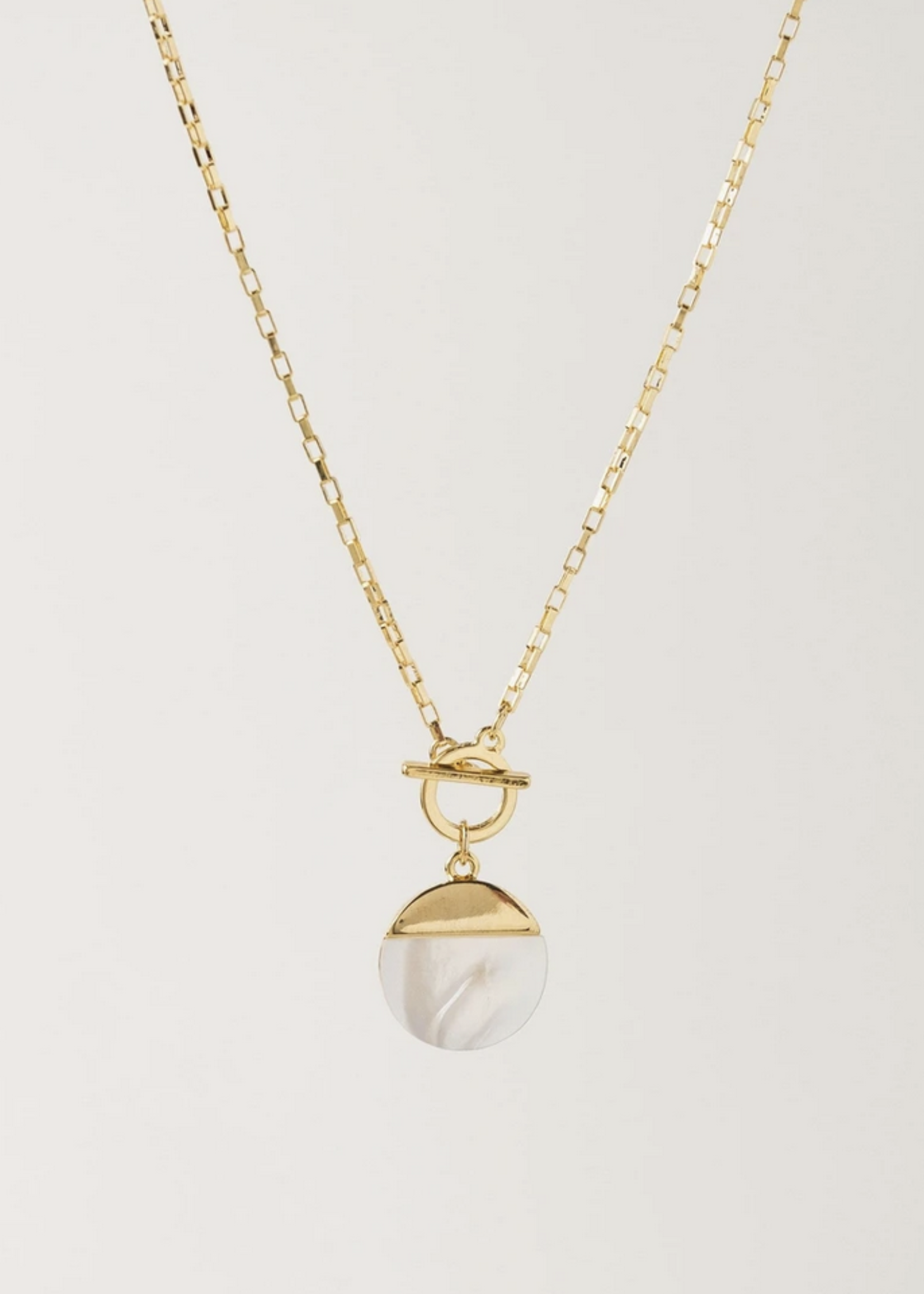 Oasis Toggle Necklass - White