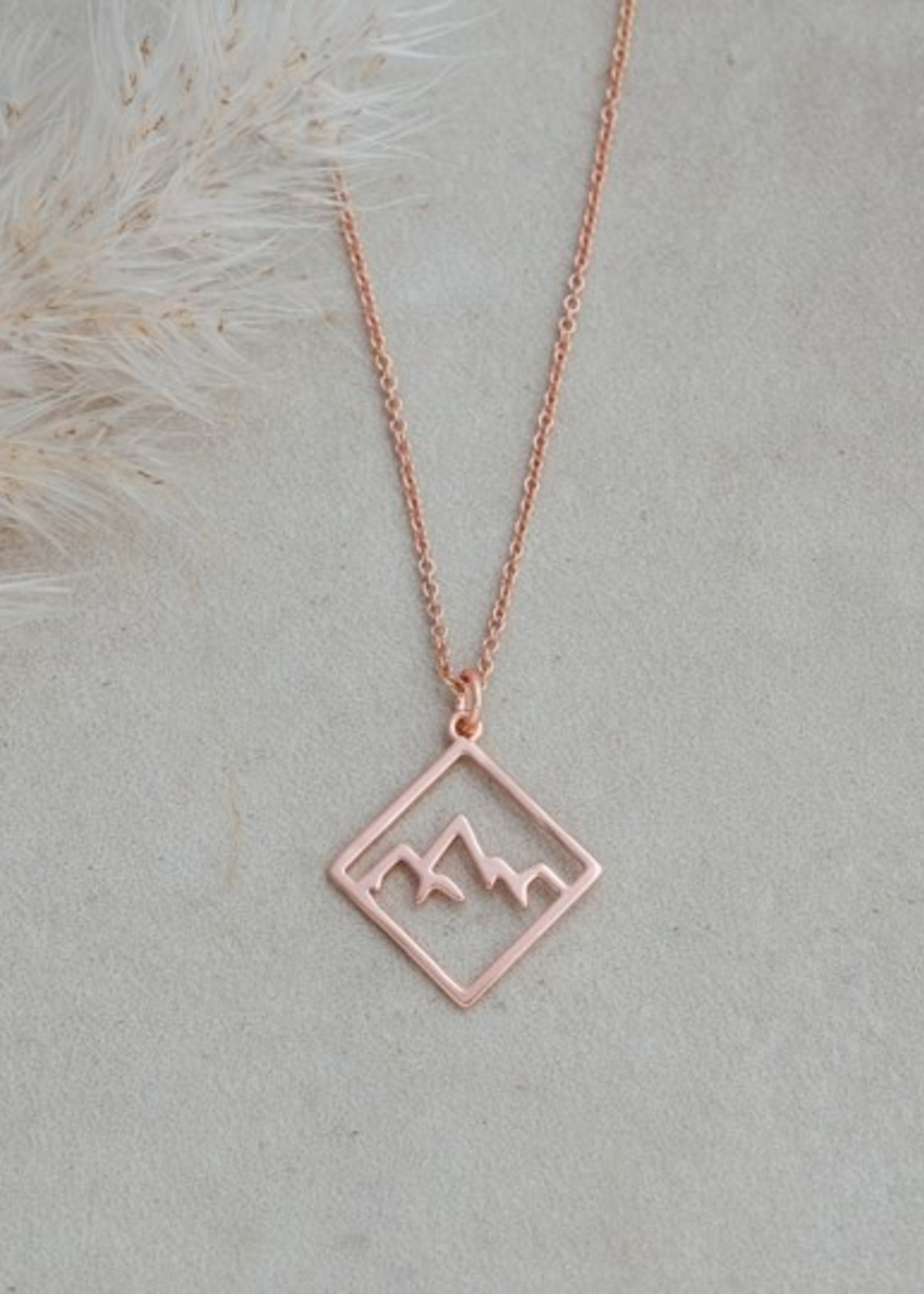 Glee Jewelry Ridge Necklace Rose Gold