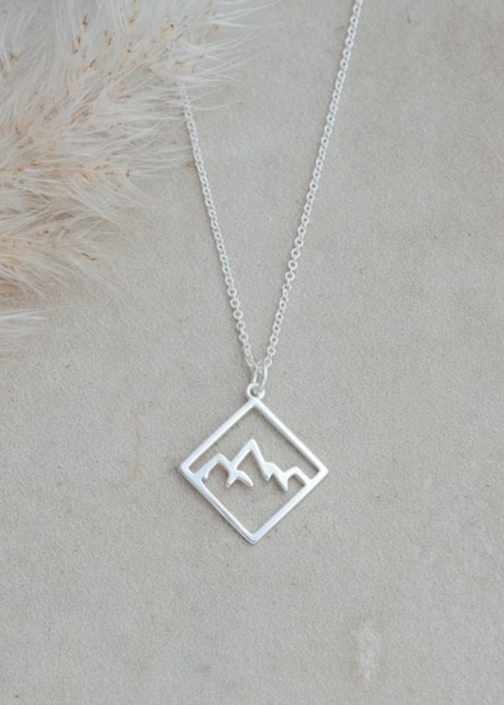 Glee Jewelry Ridge Necklace Silver