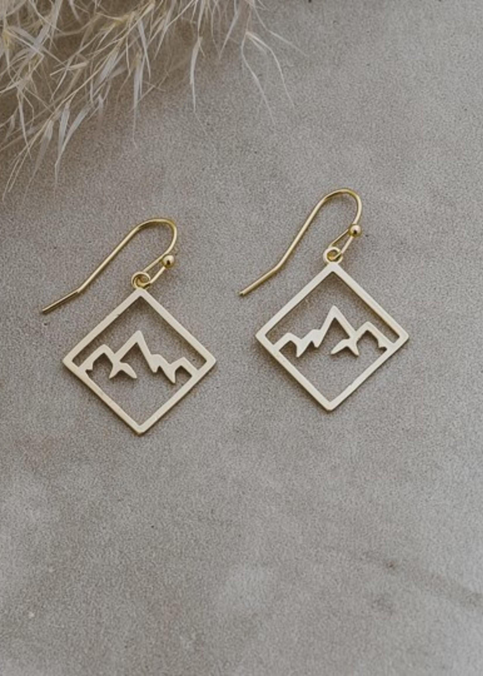 Glee Jewelry Ridge Earring Gold