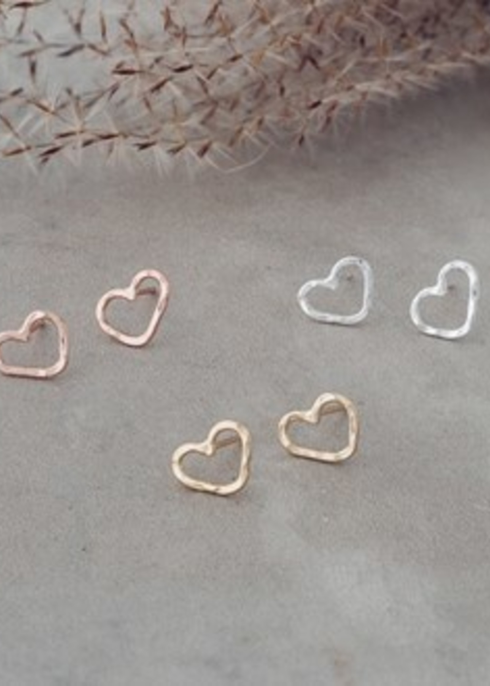 Glee Jewelry Amore studs Rose Gold