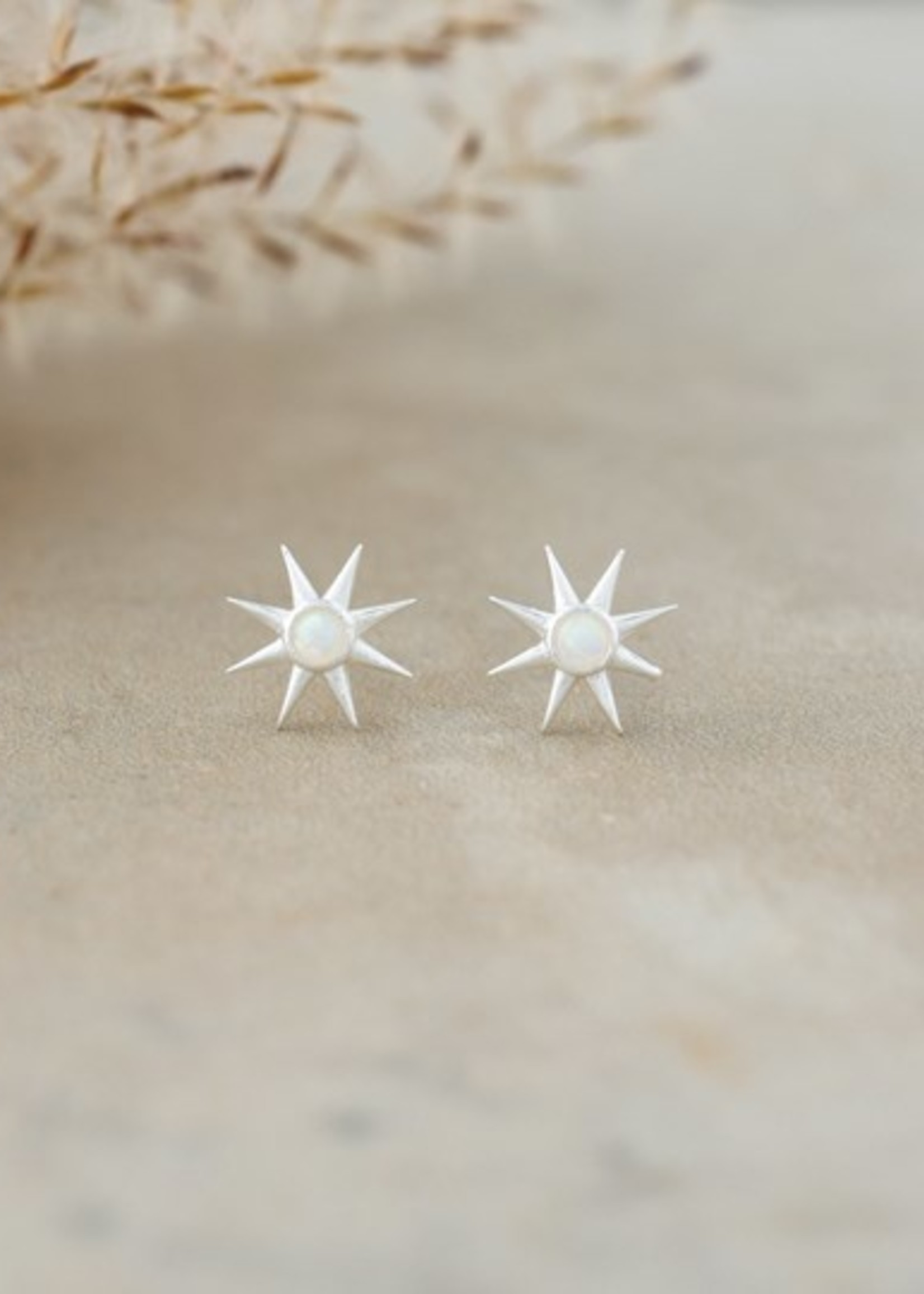 Glee Jewelry Soleil Studs/Silver/Opaline