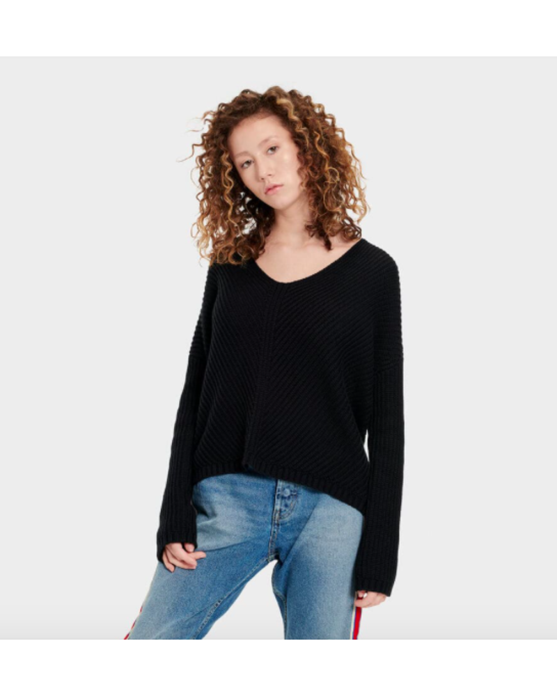 UGG UGG CRISS V NECK LONG SLEEVED