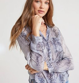 BELLA DAHL ROUNDED HEM LONG SLEEVE BUTTON DOWN